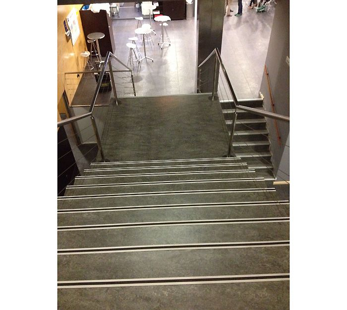 Revestimientos de escaleras y suelos en Pamplona