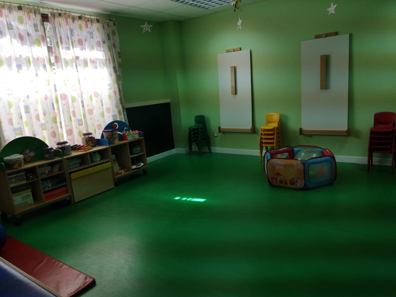 Sala de juegos en escuela arlequín