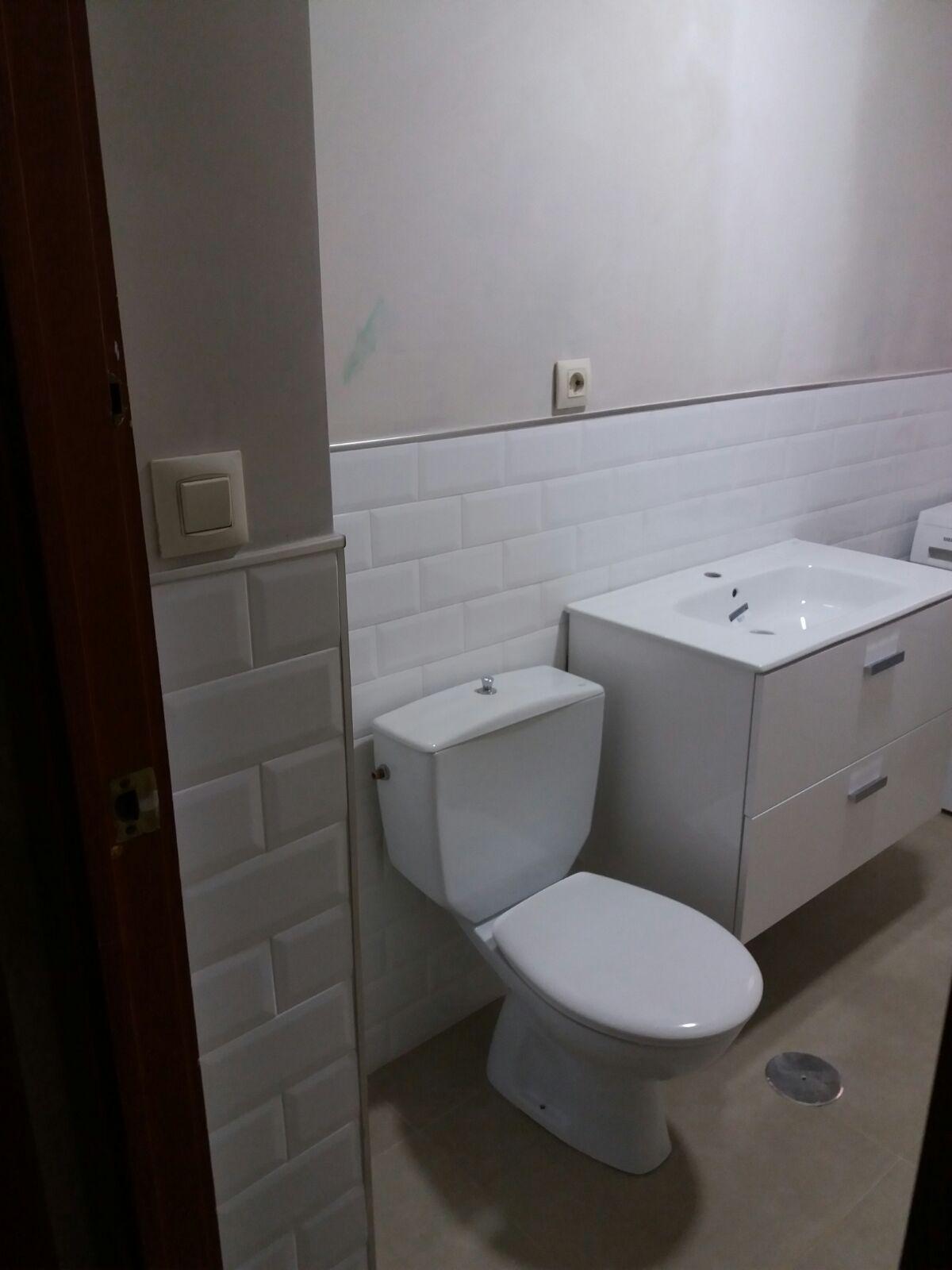 Reformas de baños, cocinas, cambio de suelos, carpintería...