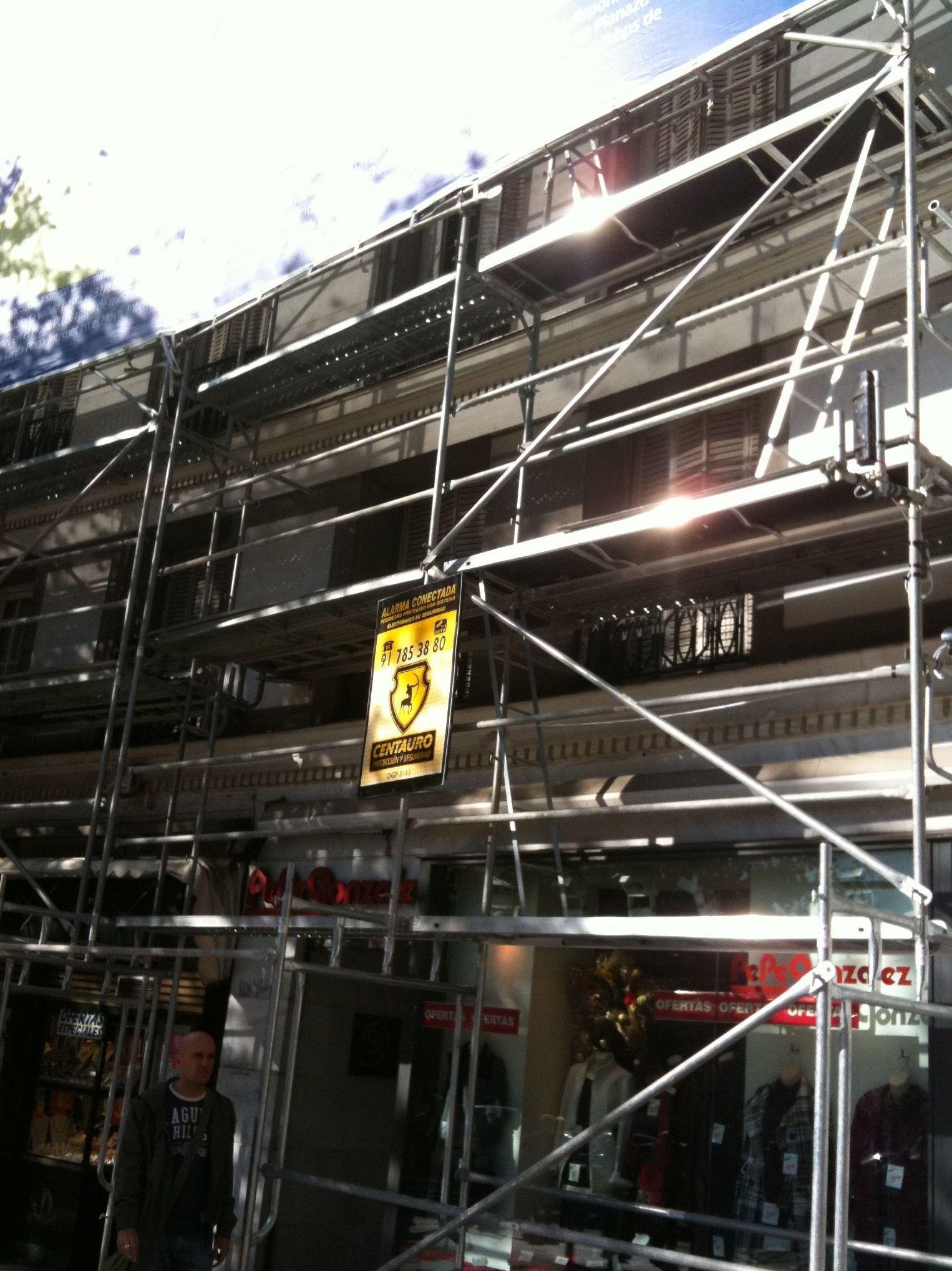 Andamios y estructuras para la construcción en Madrid