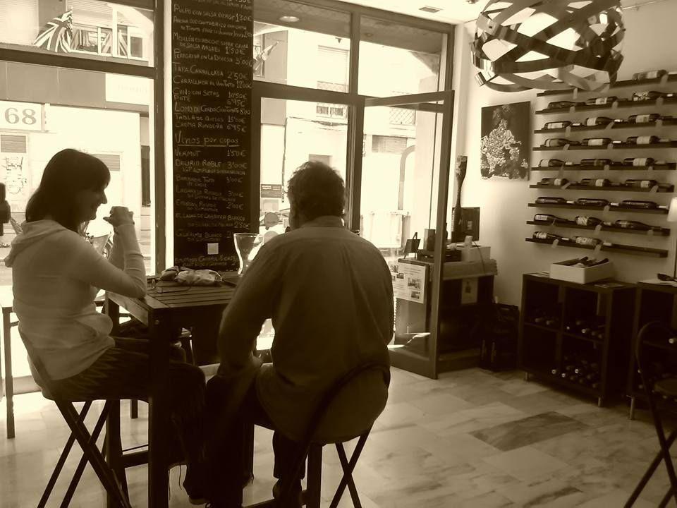 Vinoteca y tapas en Málaga