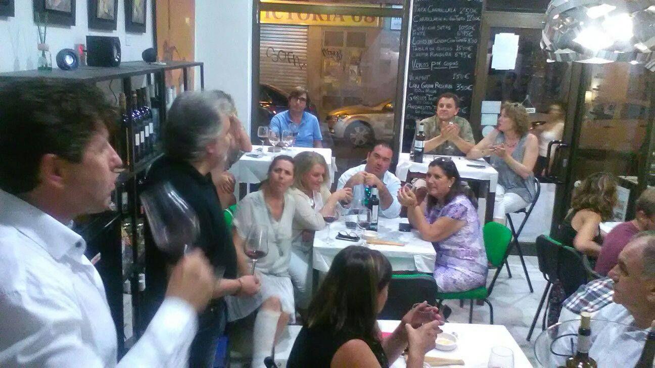 Tienda de vinos, gastrobar en el centro histórico de Málaga