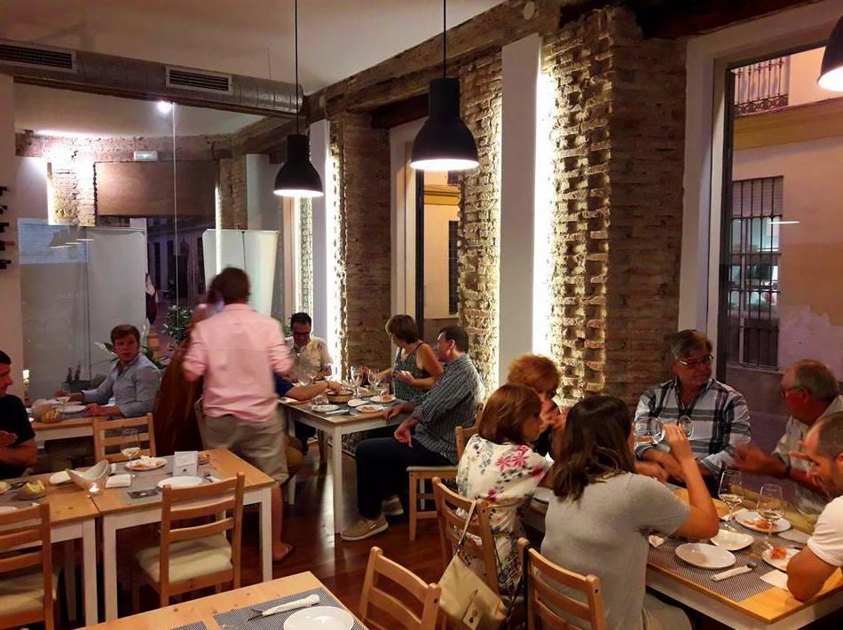 Foto 14 de Vinos y tapas gourmet en Málaga | Mainakê Casual Gastro