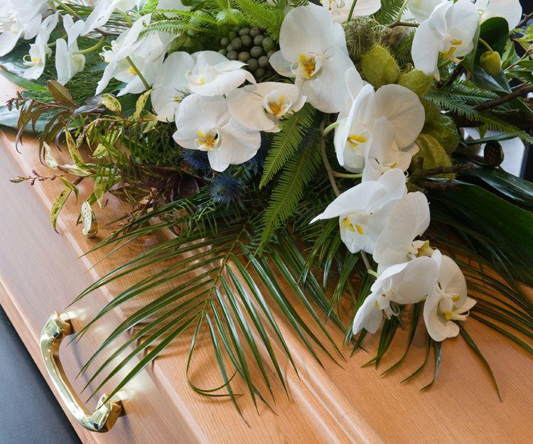 Arreglos florales funerarios