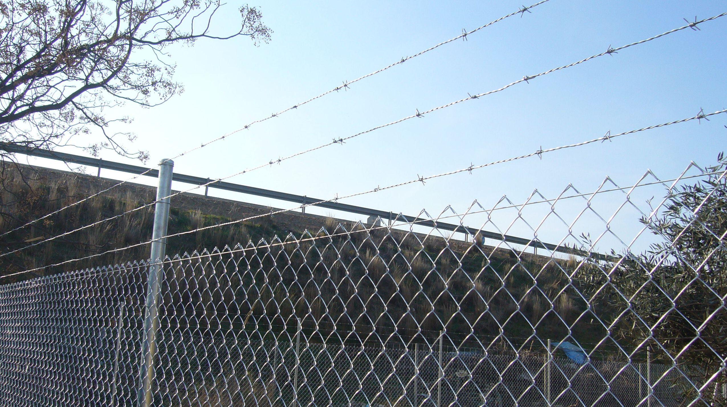 Foto 65 de Cerramientos metálicos en Utrera  | Mallas Aroa