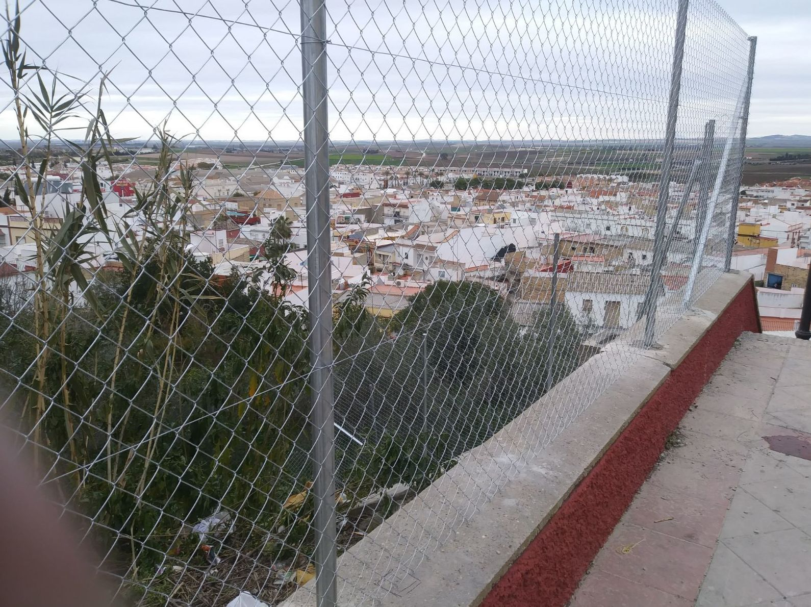Instalación de alambradas en Sevilla