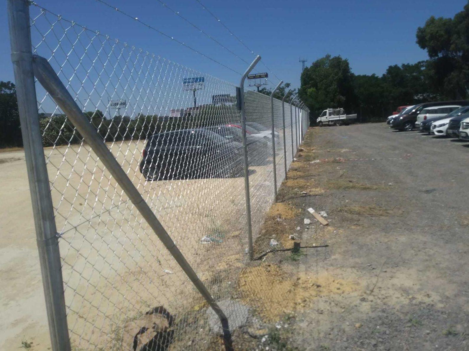 Alambradas metálicas para terreno de aparcamiento