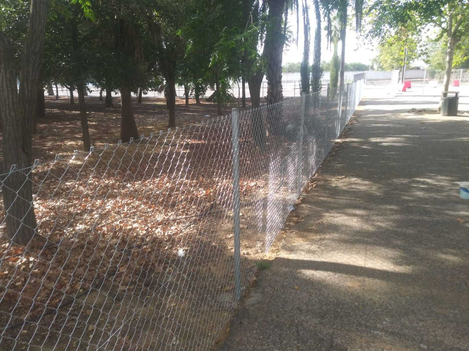 Malla para delimitar terreno en Sevilla