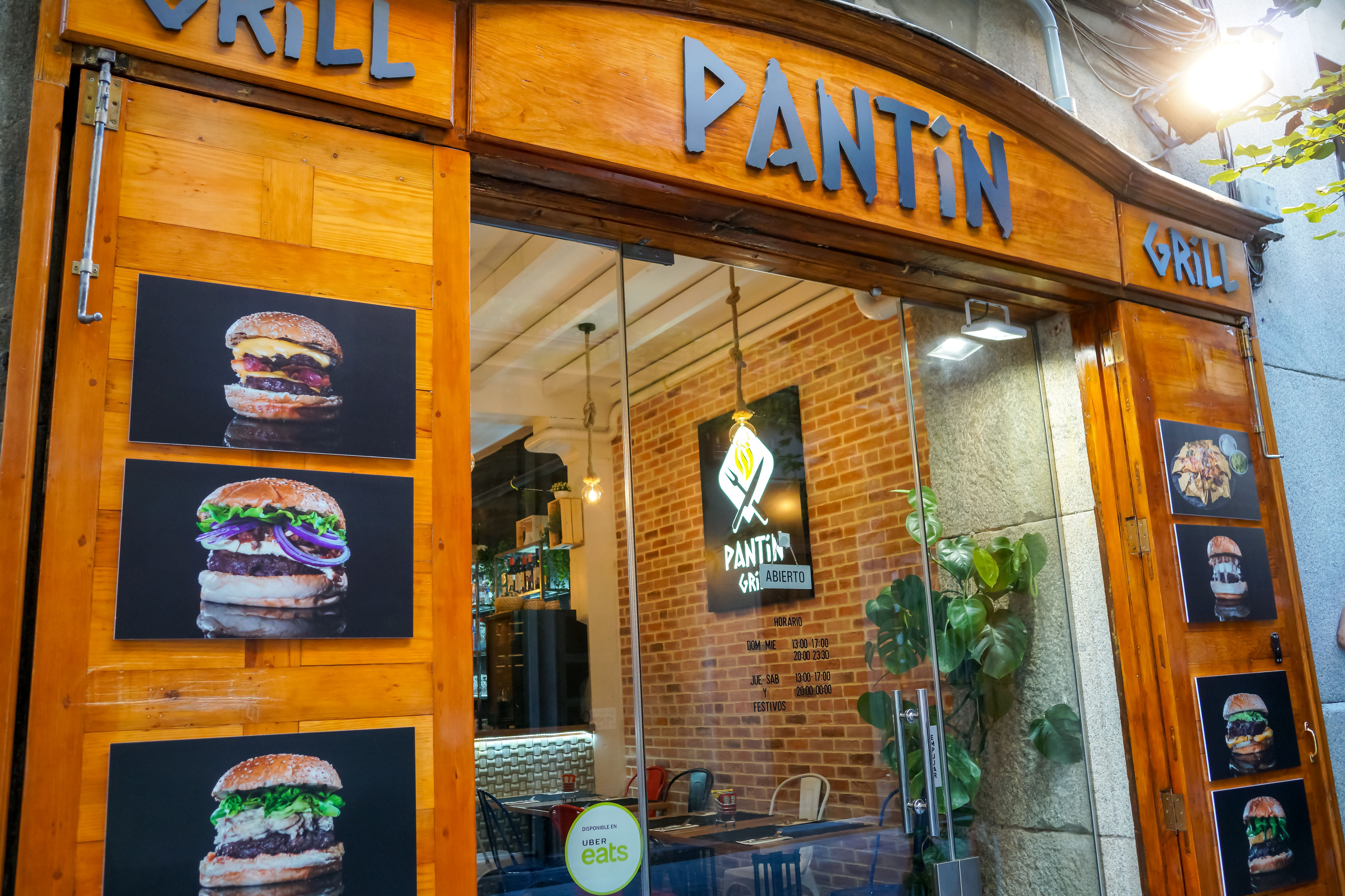 Front view of the PANTIN GRILL restaurant