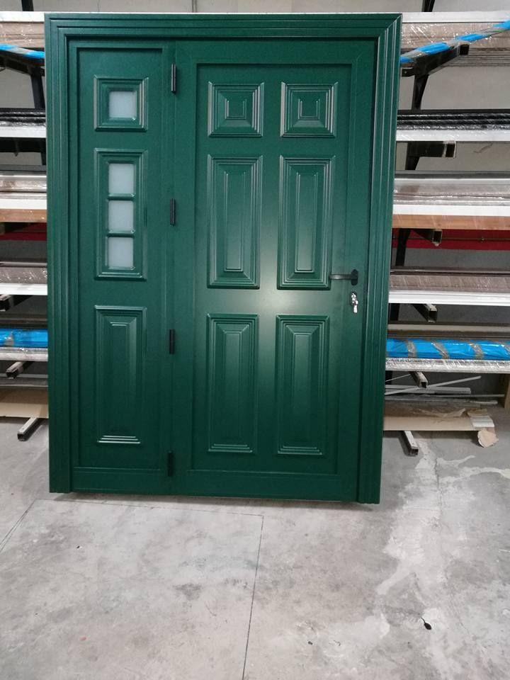 Puertas de aluminio de diferentes colores
