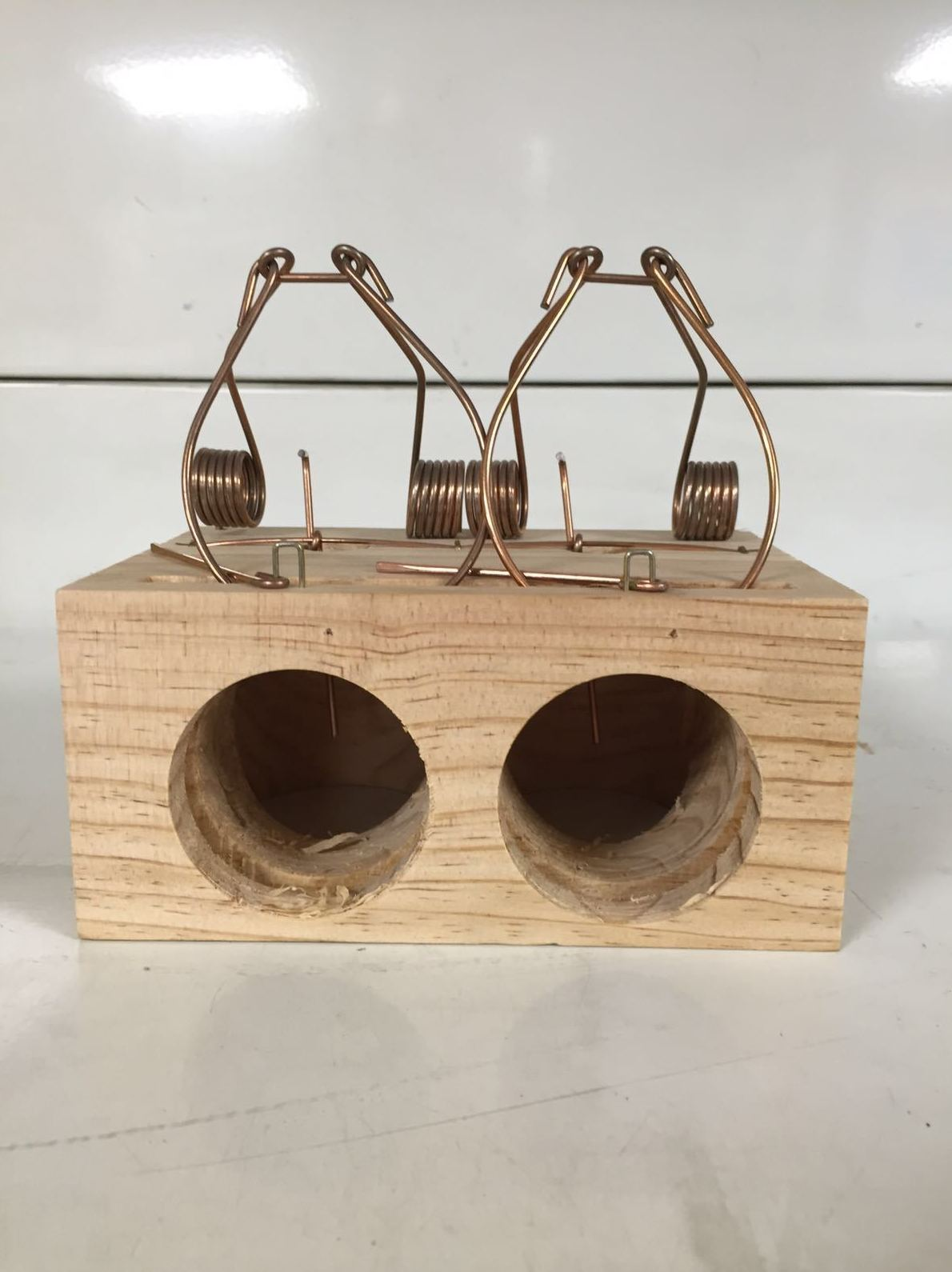 Venta de ratoneras de madera