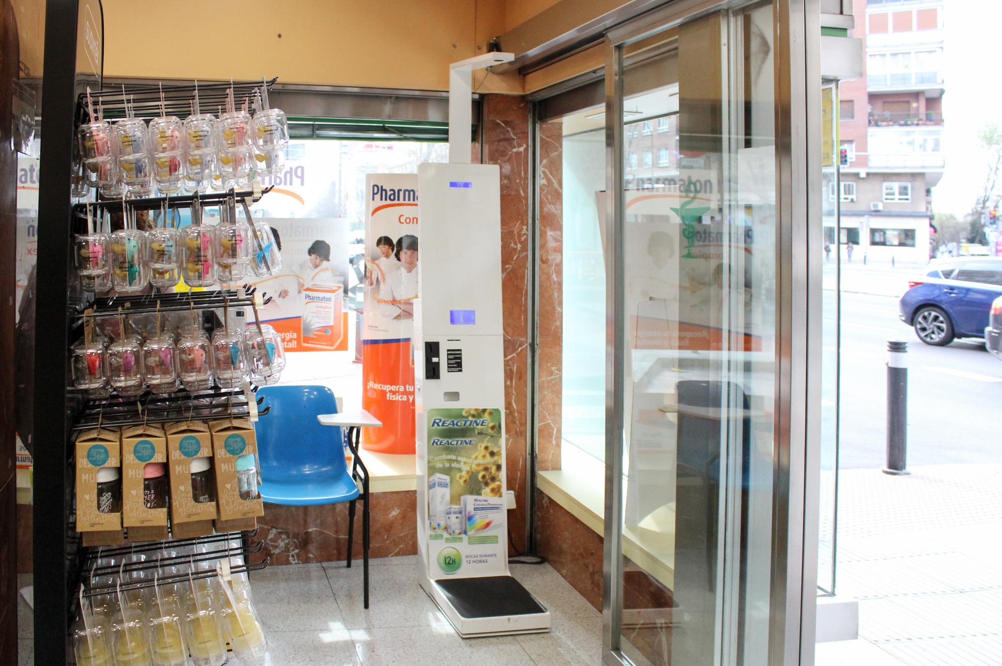 Foto 1 de Farmacias en Madrid | Farmacia Silvela 56