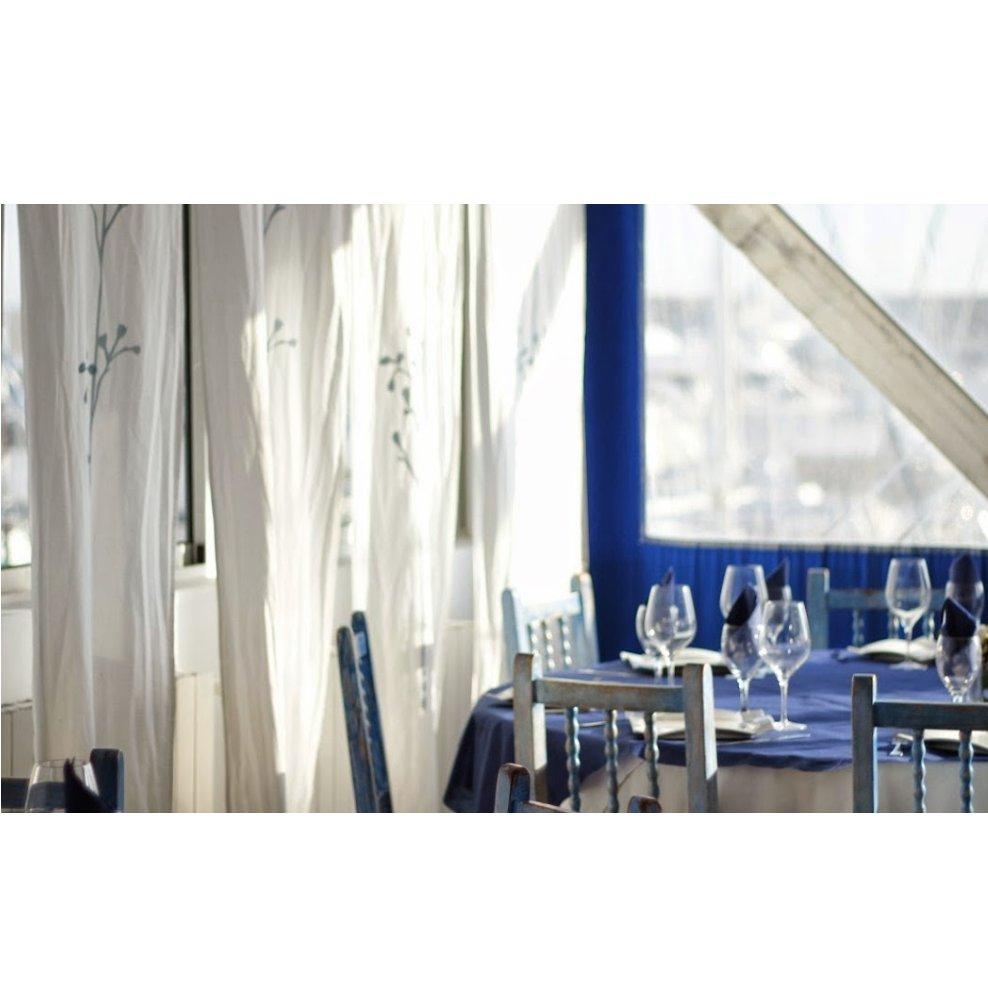 Cavas y Champagnes: Nuestra carta y servicios de Restaurante Club Náutico Gandía