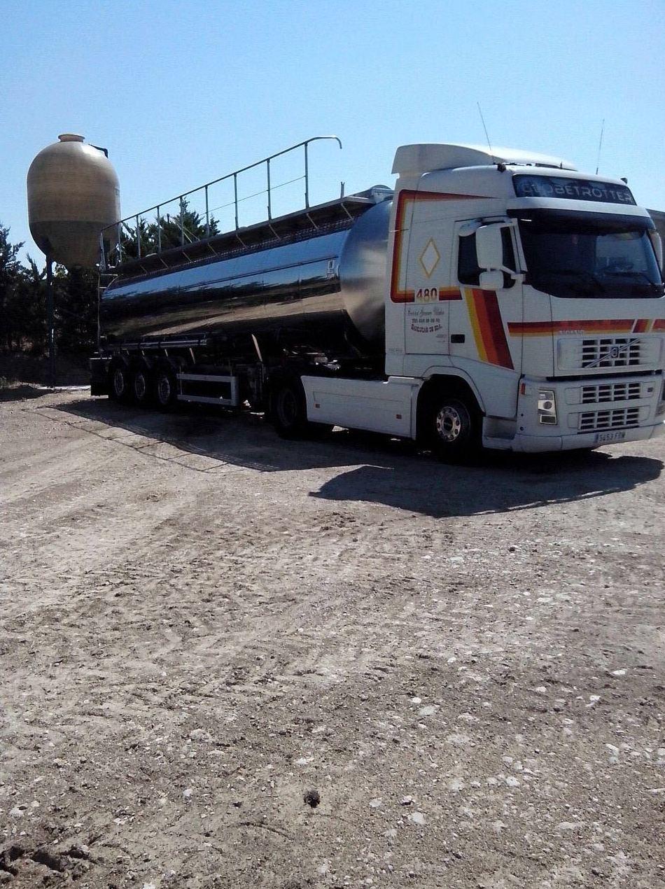 Foto 17 de Transporte de mercancías alimenticias en Sanlúcar de Barrameda | Transportes Cristobal  Guerrero Villalar