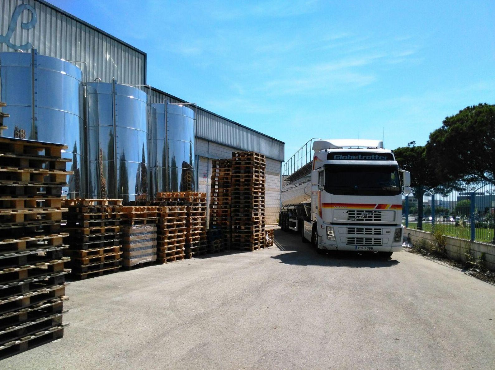 Foto 13 de Transporte de mercancías alimenticias en Sanlúcar de Barrameda | Transportes Cristobal  Guerrero Villalar