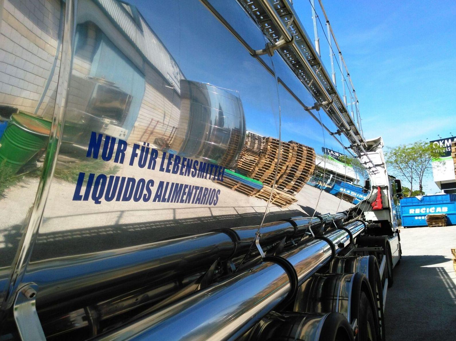 Foto 16 de Transporte de mercancías alimenticias en Sanlúcar de Barrameda | Transportes Cristobal  Guerrero Villalar