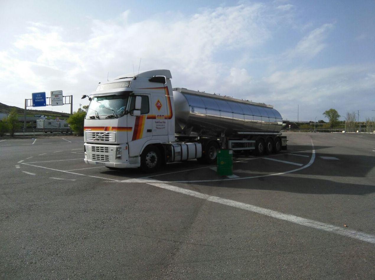 Foto 15 de Transporte de mercancías alimenticias en Sanlúcar de Barrameda   Transportes Cristobal  Guerrero Villalar