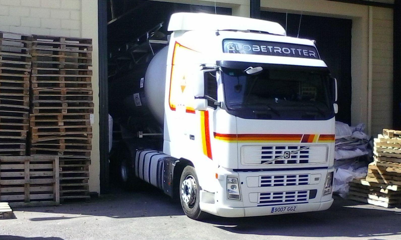 Foto 12 de Transporte de mercancías alimenticias en Sanlúcar de Barrameda | Transportes Cristobal  Guerrero Villalar