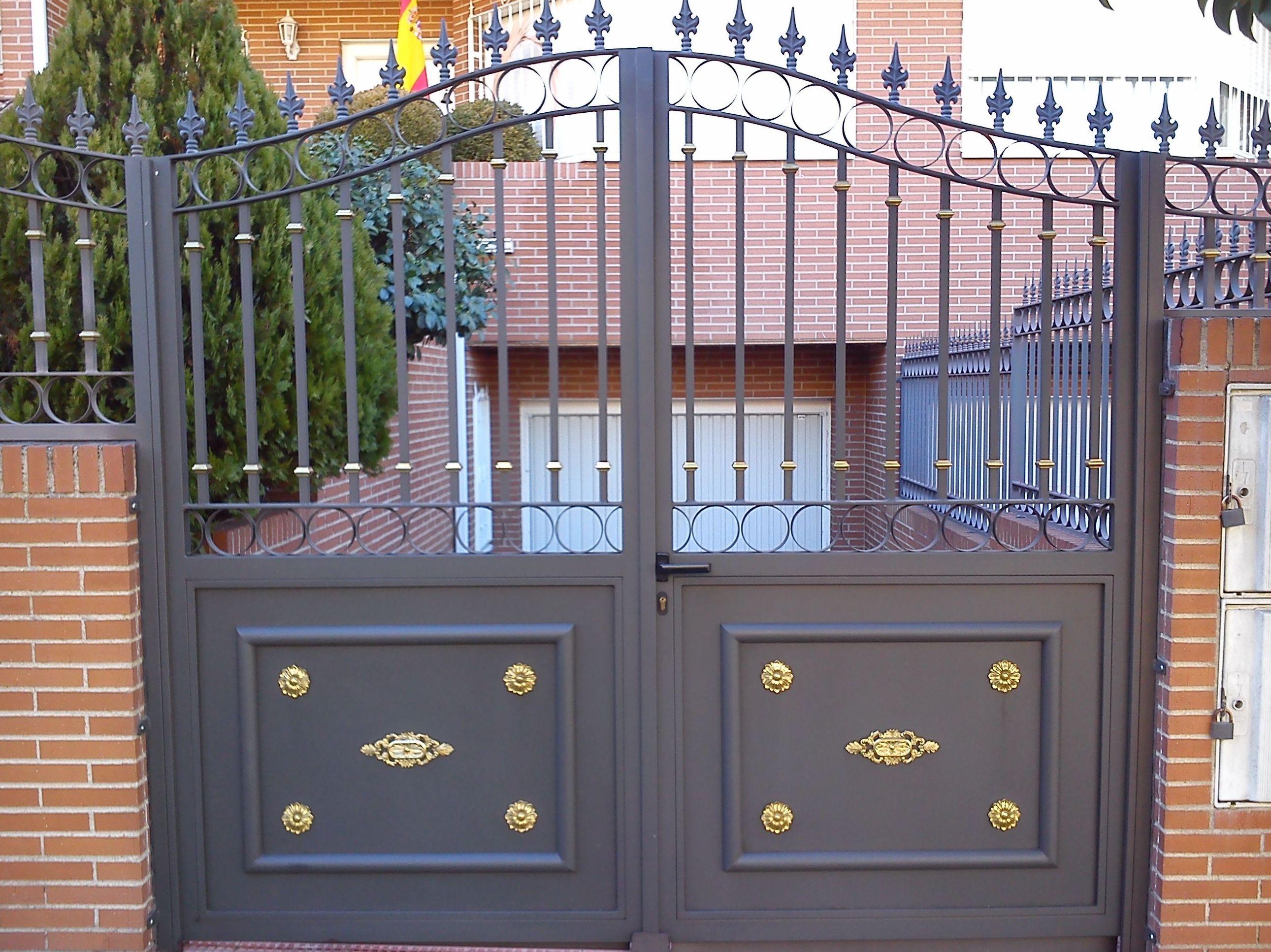 P31 - Puerta de acceso a garaje