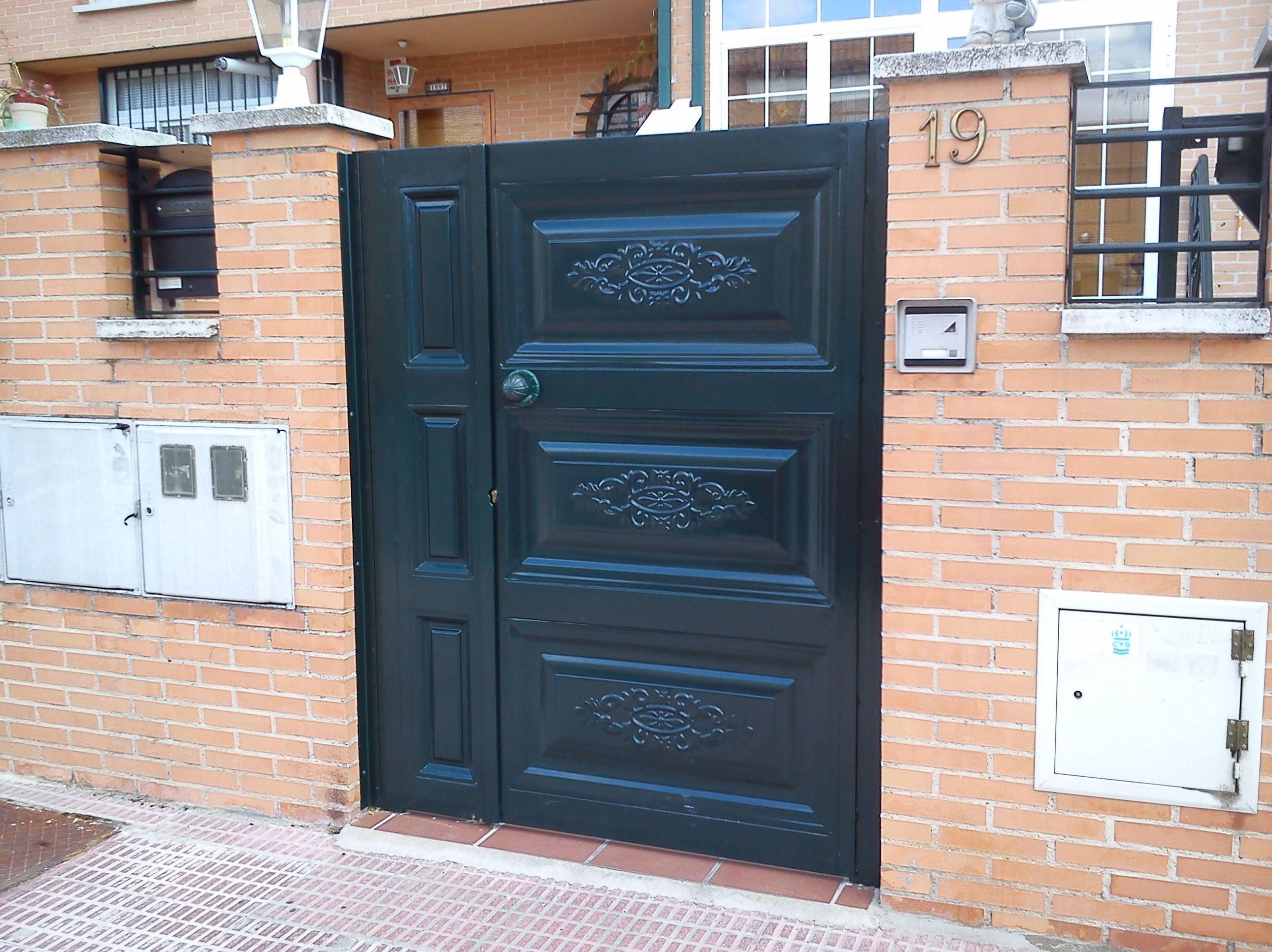 Puerta peatonal: Trabajos de Cerrajería Alberto Bautista.