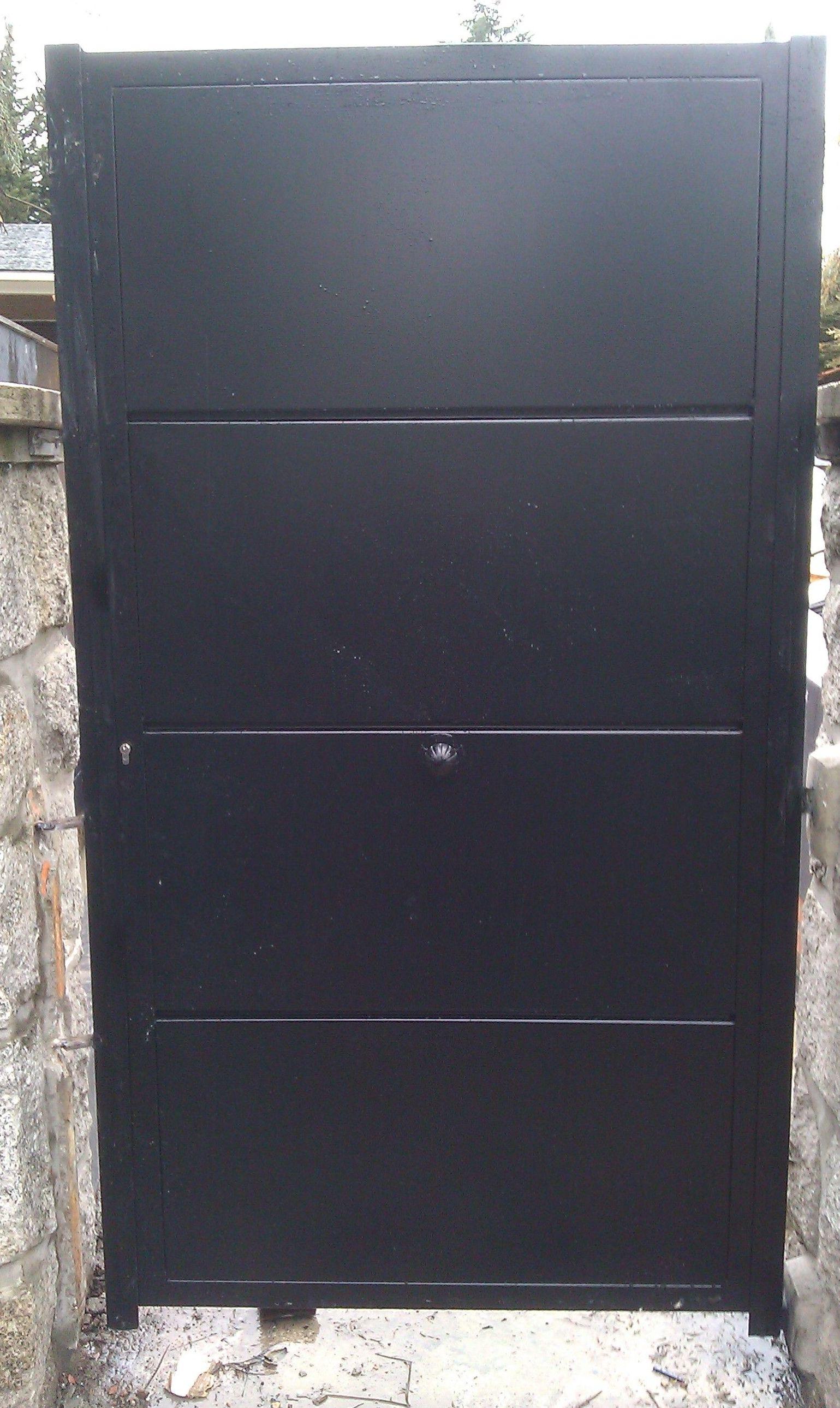 P35- Puerta de acceso a vivienda