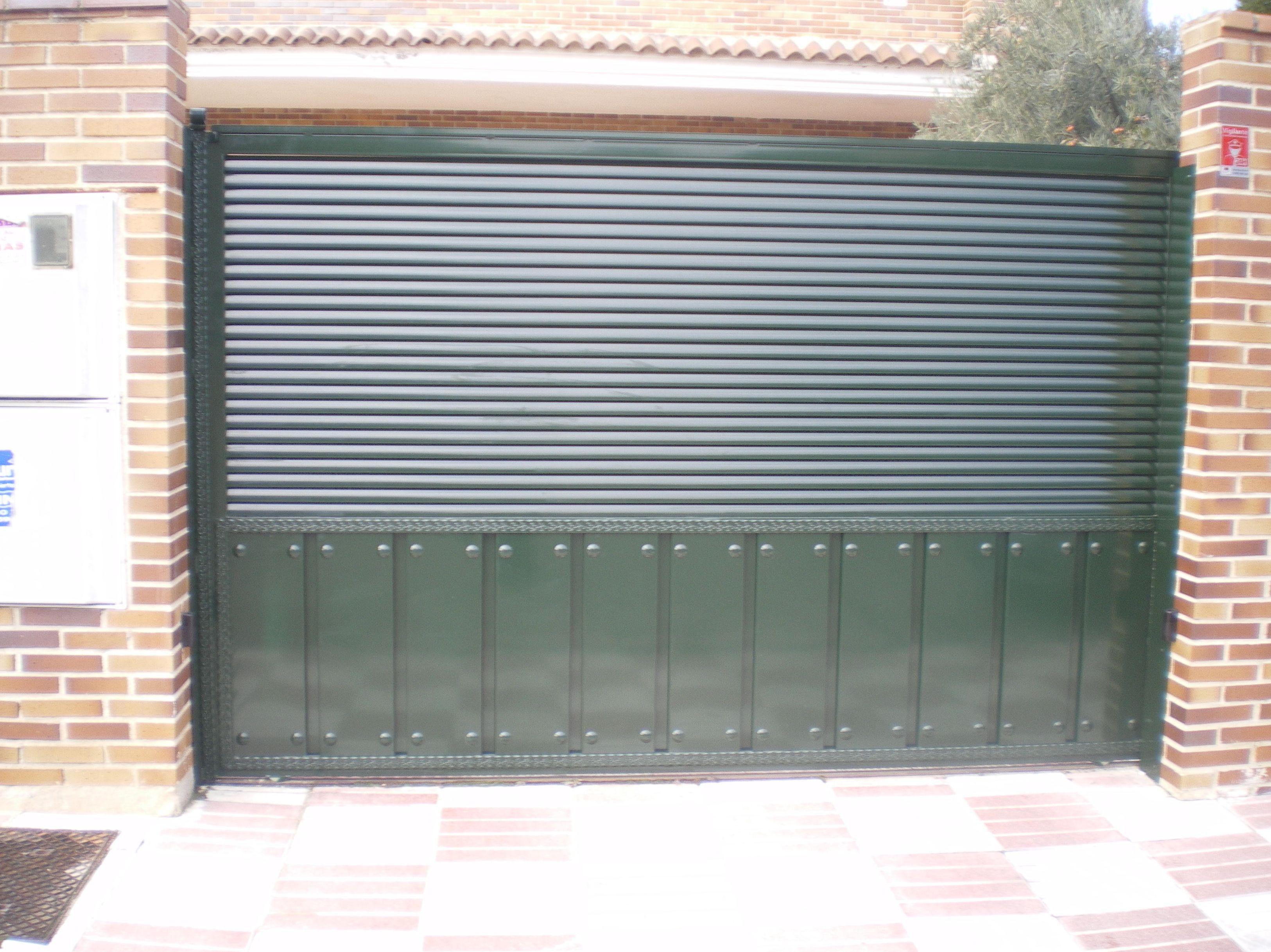 P22 - Puertas de entrada,garaje,comunidades