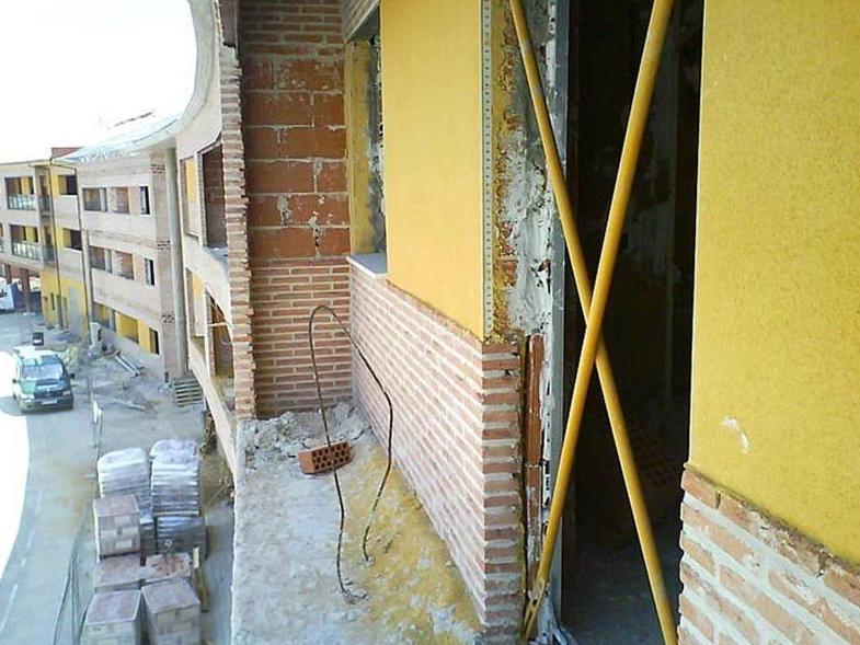 Fabricación y venta de cerrajería en general,cerramientos y estructuras metálicas