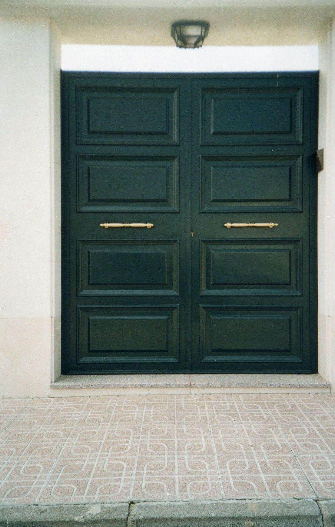Puerta peatonal.