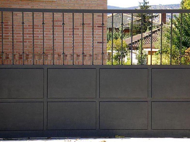 P15 - Puertas de entrada,garaje,comunidades