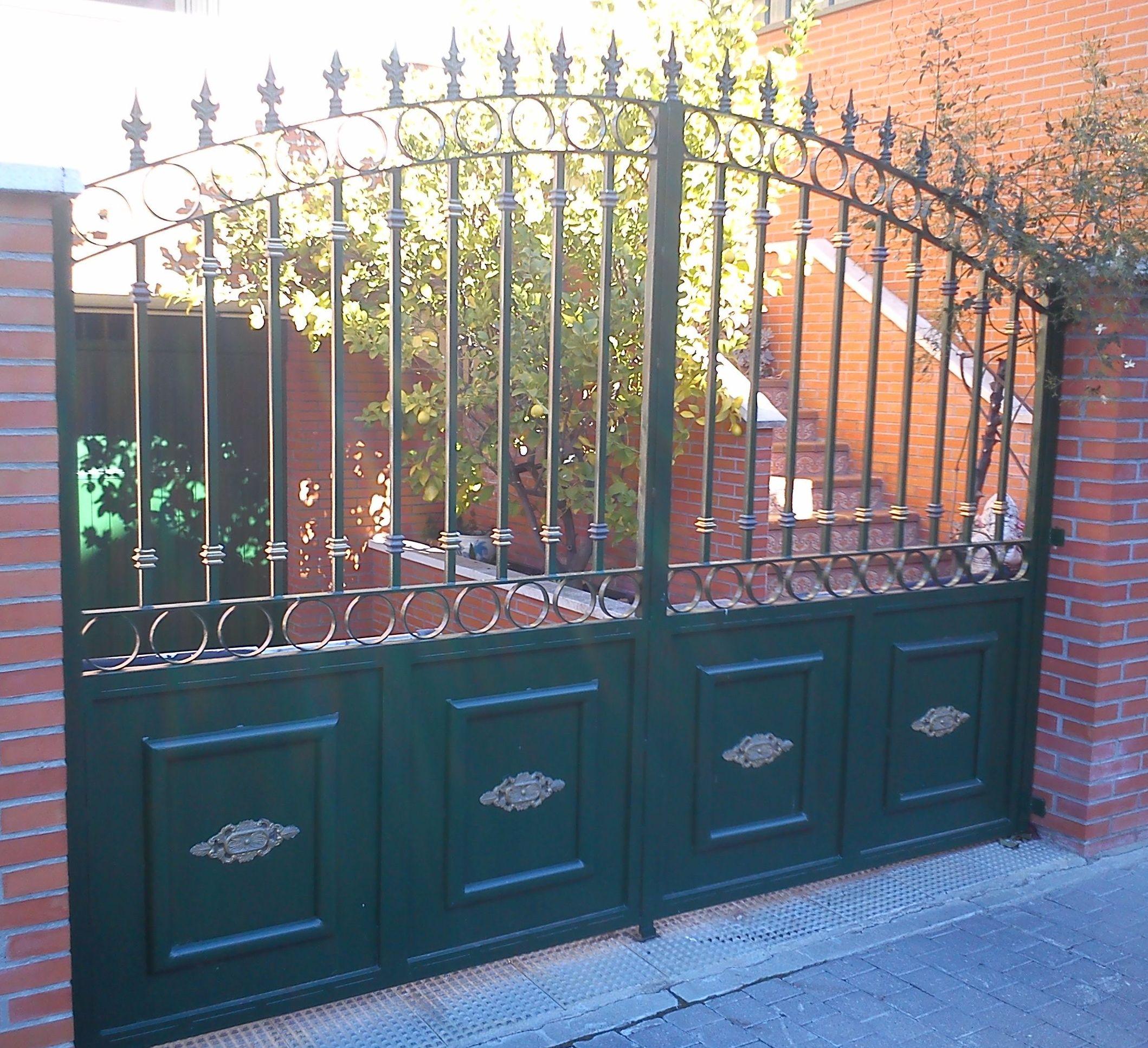 P32 - Puerta de acceso a vivienda