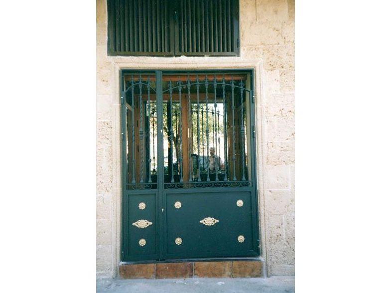 P29 - Puertas de entrada,garaje,comunidades