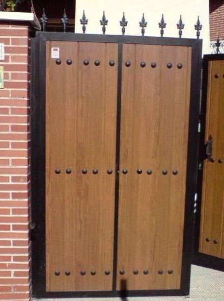 P34 - Puerta de acceso a vivienda
