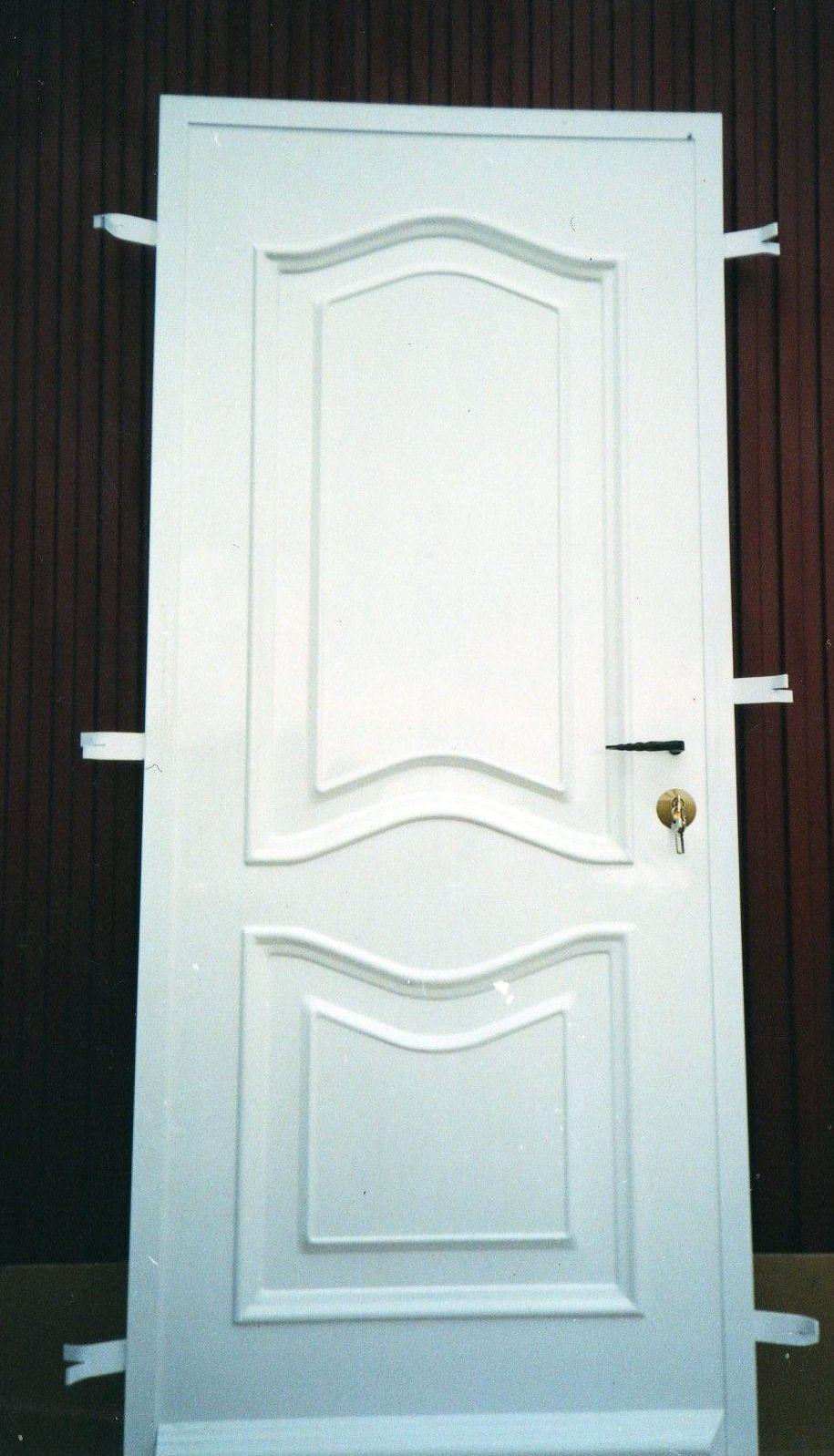 P5 - Puerta residencial de estilo provenzal. Hecha a medida.