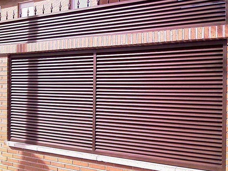P28 - Puertas de entrada,garaje,comunidades