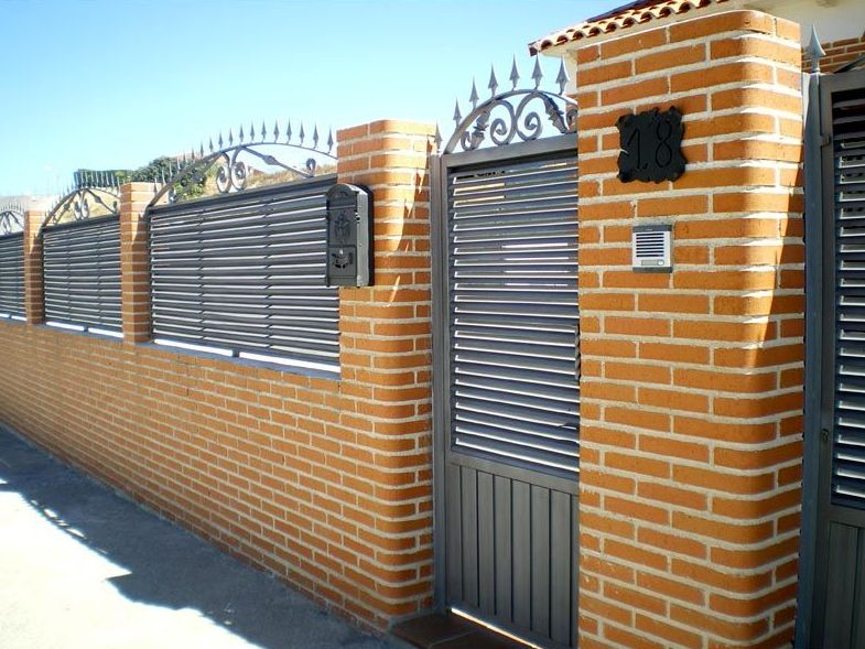 P20 - Puertas de chalés