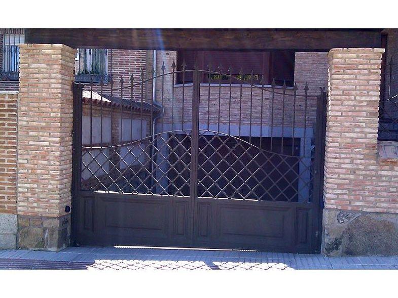 P18 - Puertas de entrada,garaje,comunidades