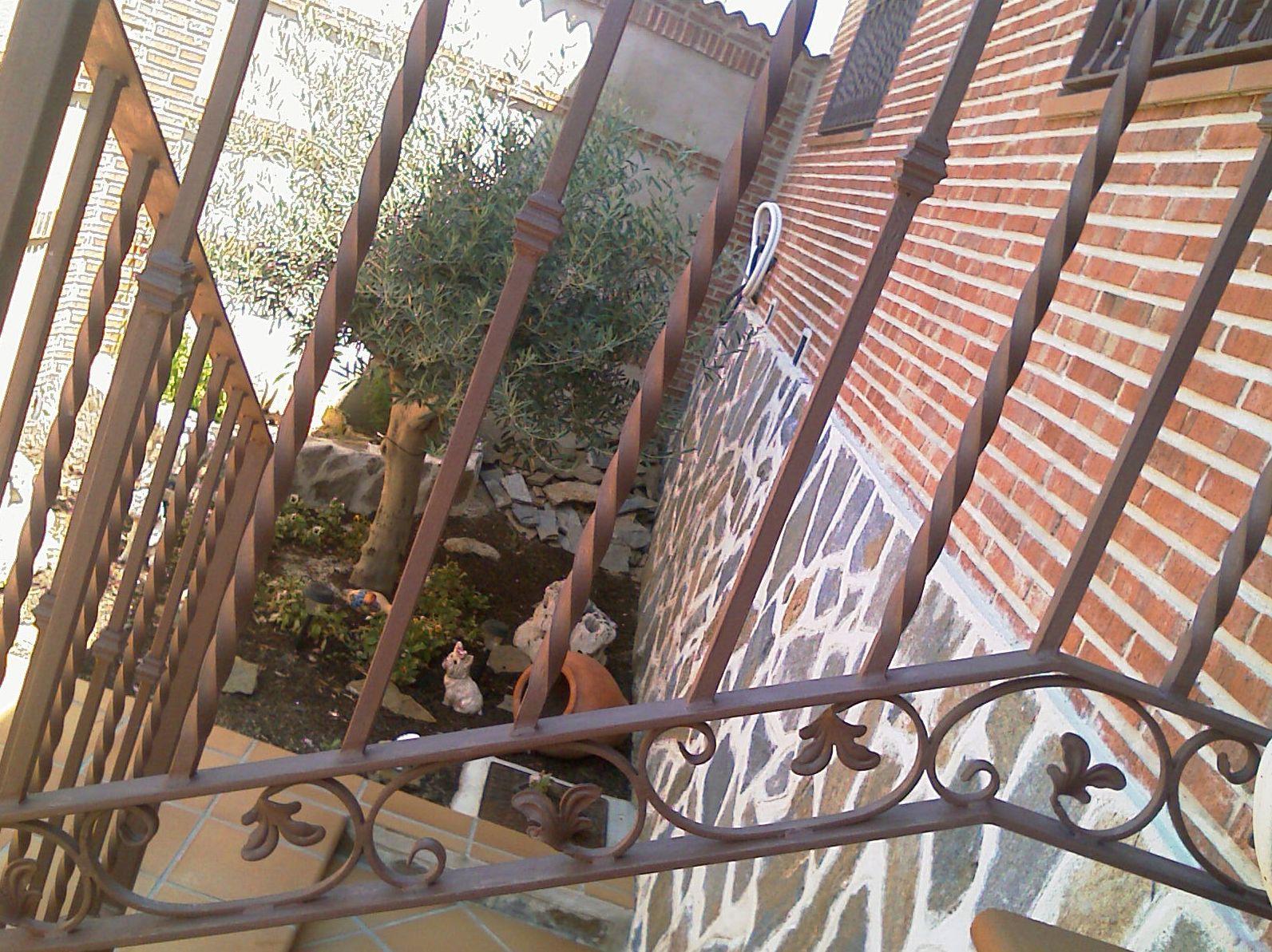 B19 - Barandilla exterior de escalera