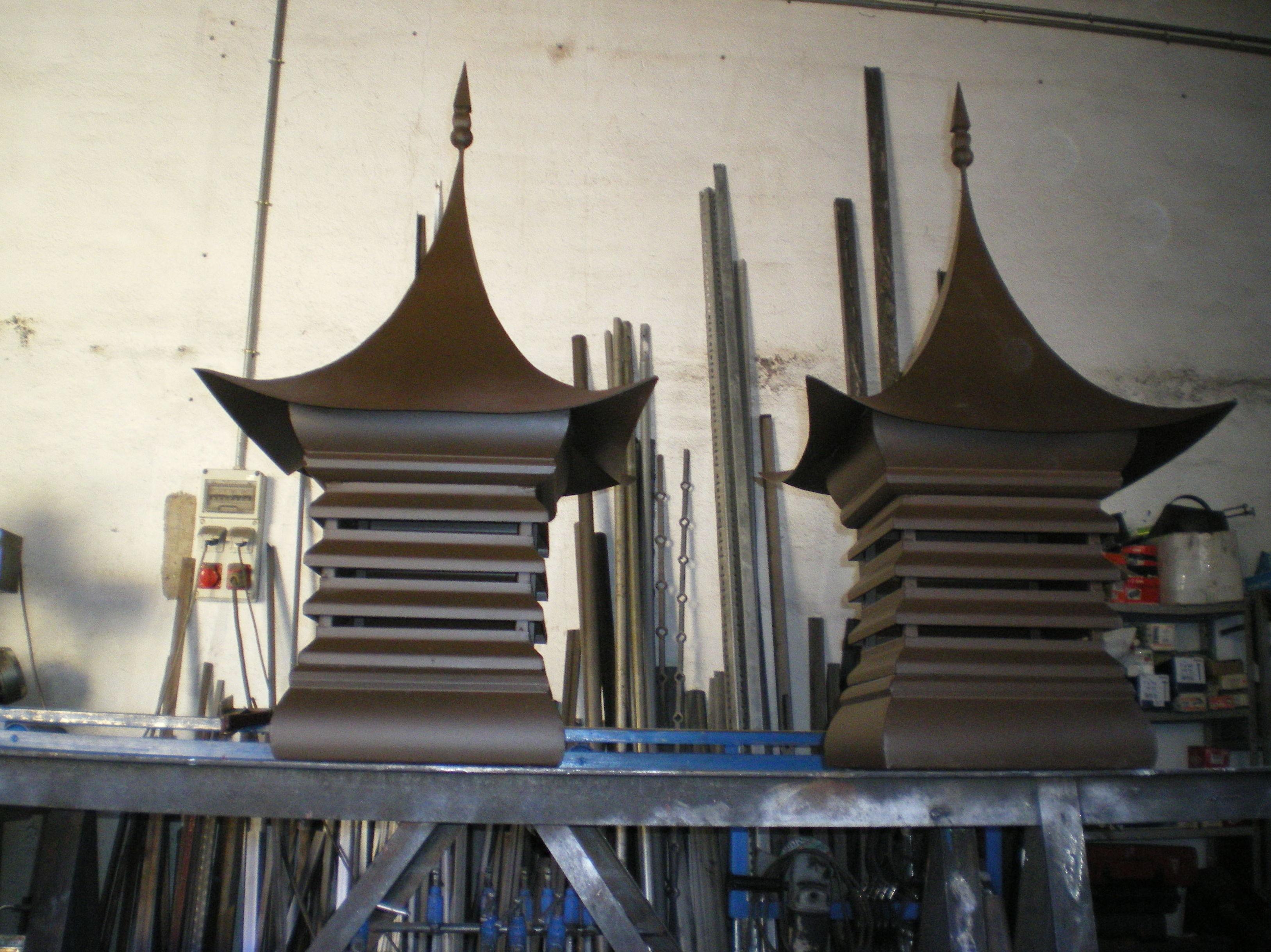 Caperuzas para chimeneas : Trabajos de Cerrajería Alberto Bautista.