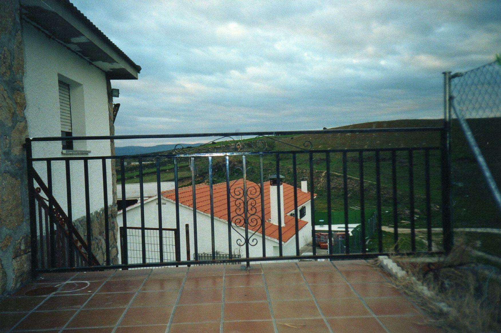 B20 - Barandilla exterior de terraza