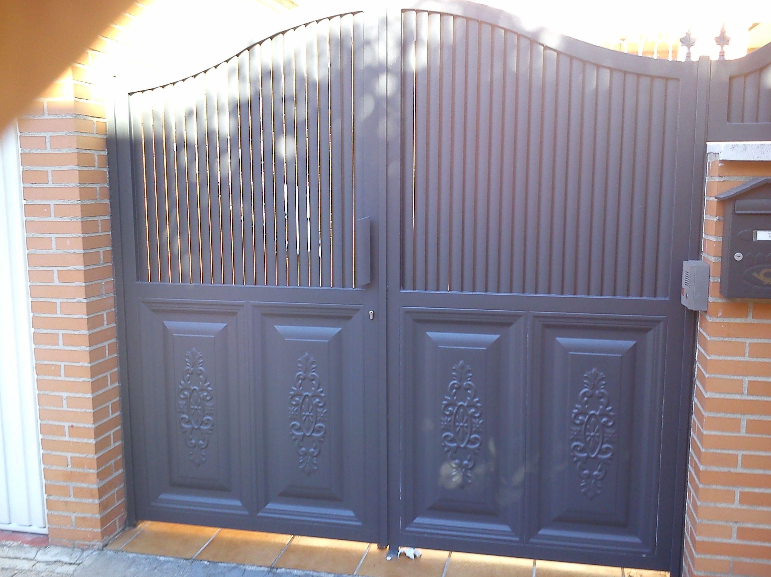 P25 - Puertas de entrada,garaje,comunidades