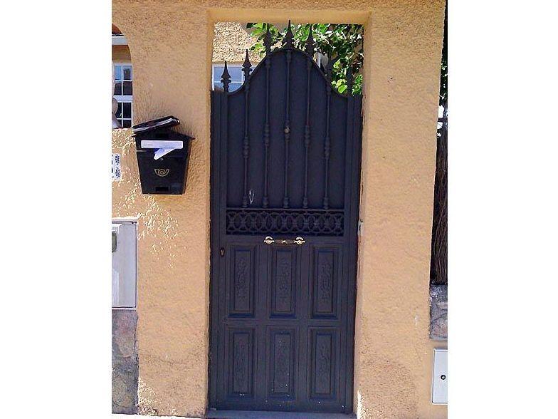 P26 - Puertas de entrada,garaje,comunidades