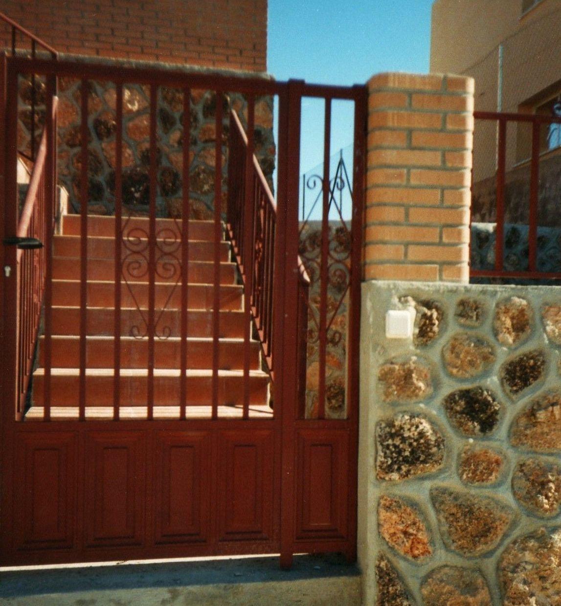 P19 - Puertas de entrada,garaje,comunidades