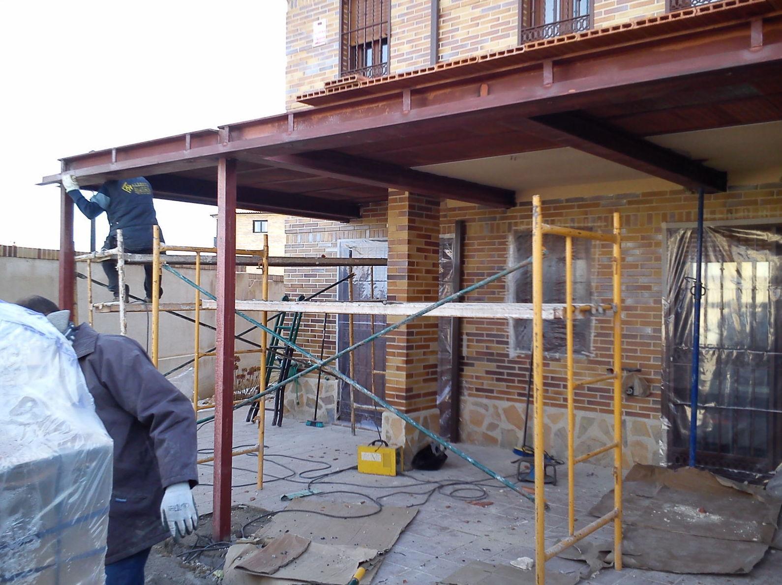 Estructura met lica de porche en vivienda unifamiliar trabajos de cerrajer a alberto bautista - Estructura metalica vivienda ...
