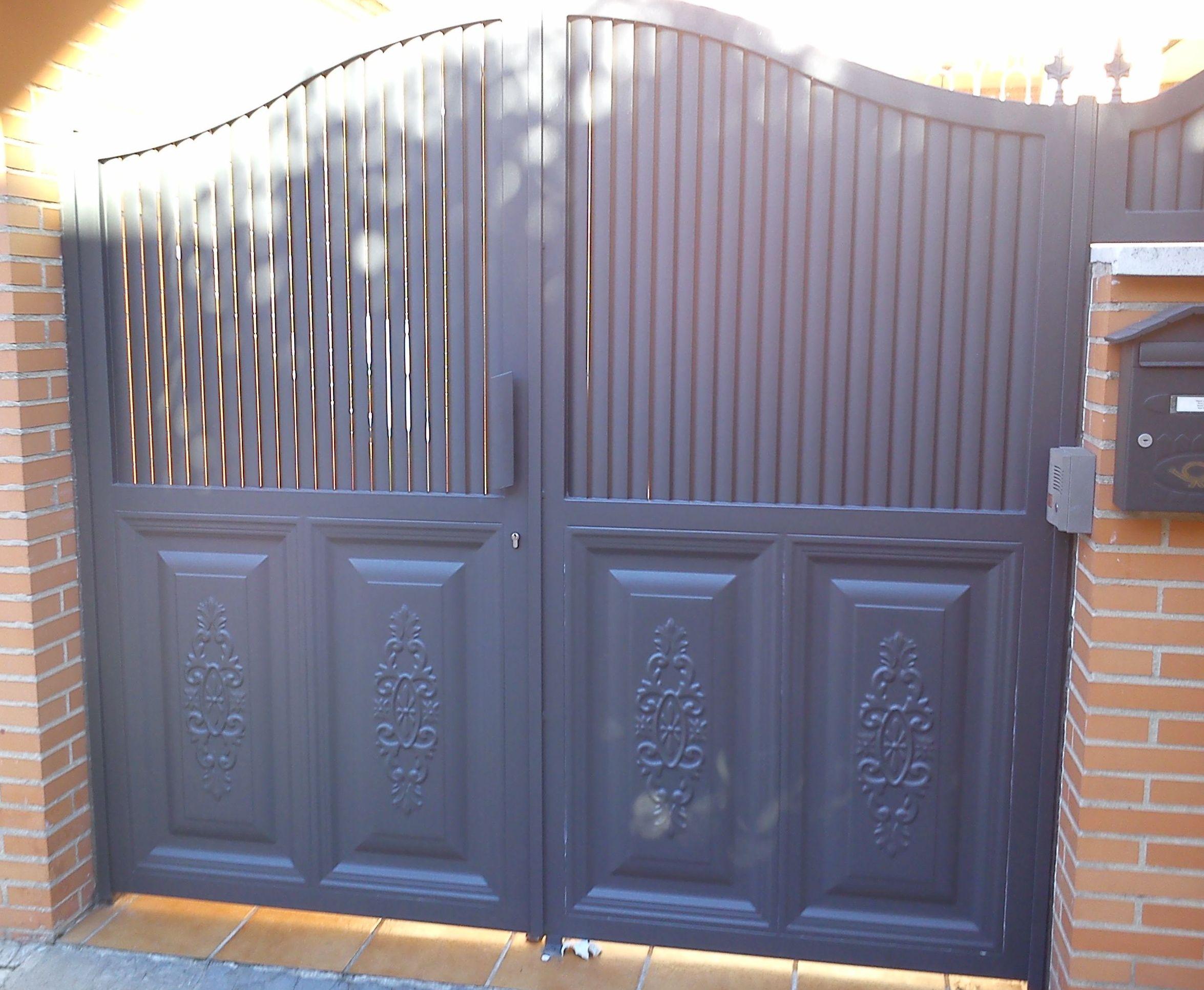 P33 - Puerta de acceso a vivienda