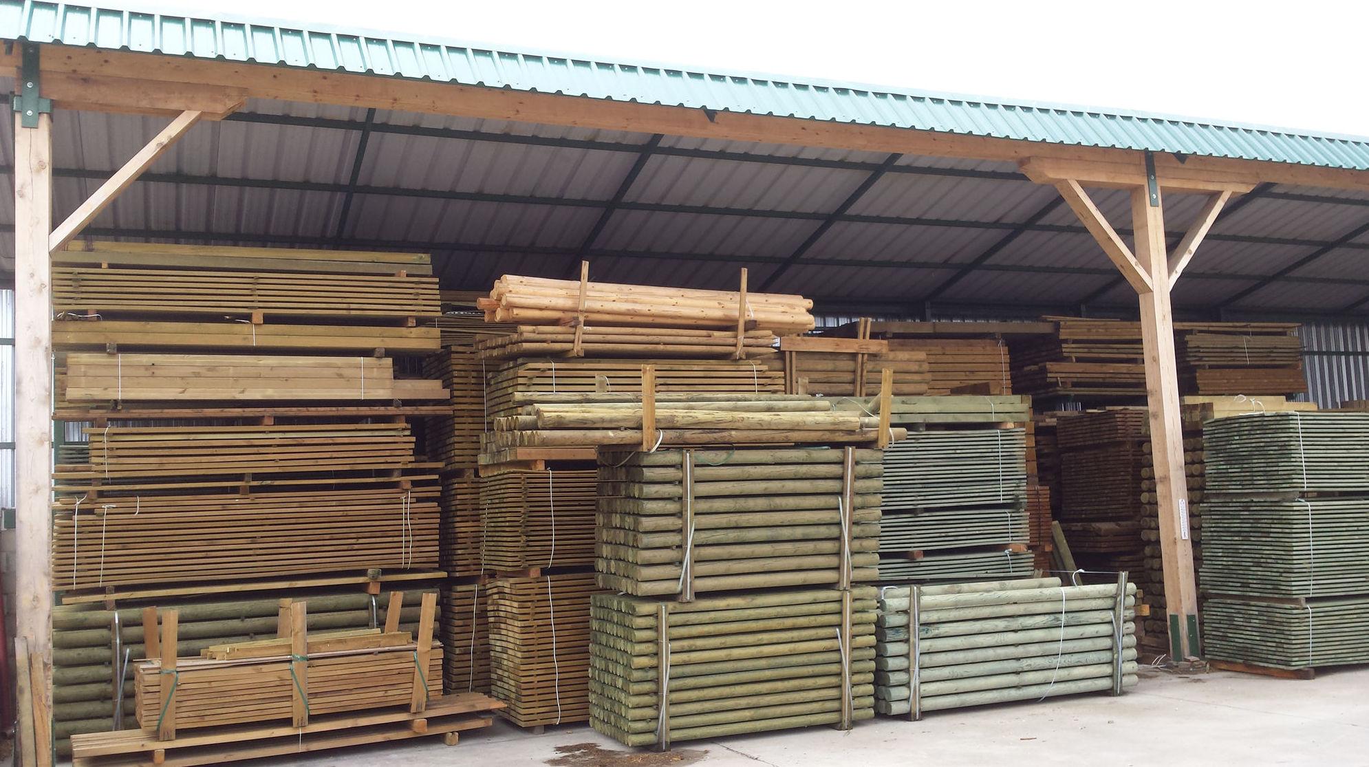 Postes y cilindrados Pino Soria para exteriores.  Vallados