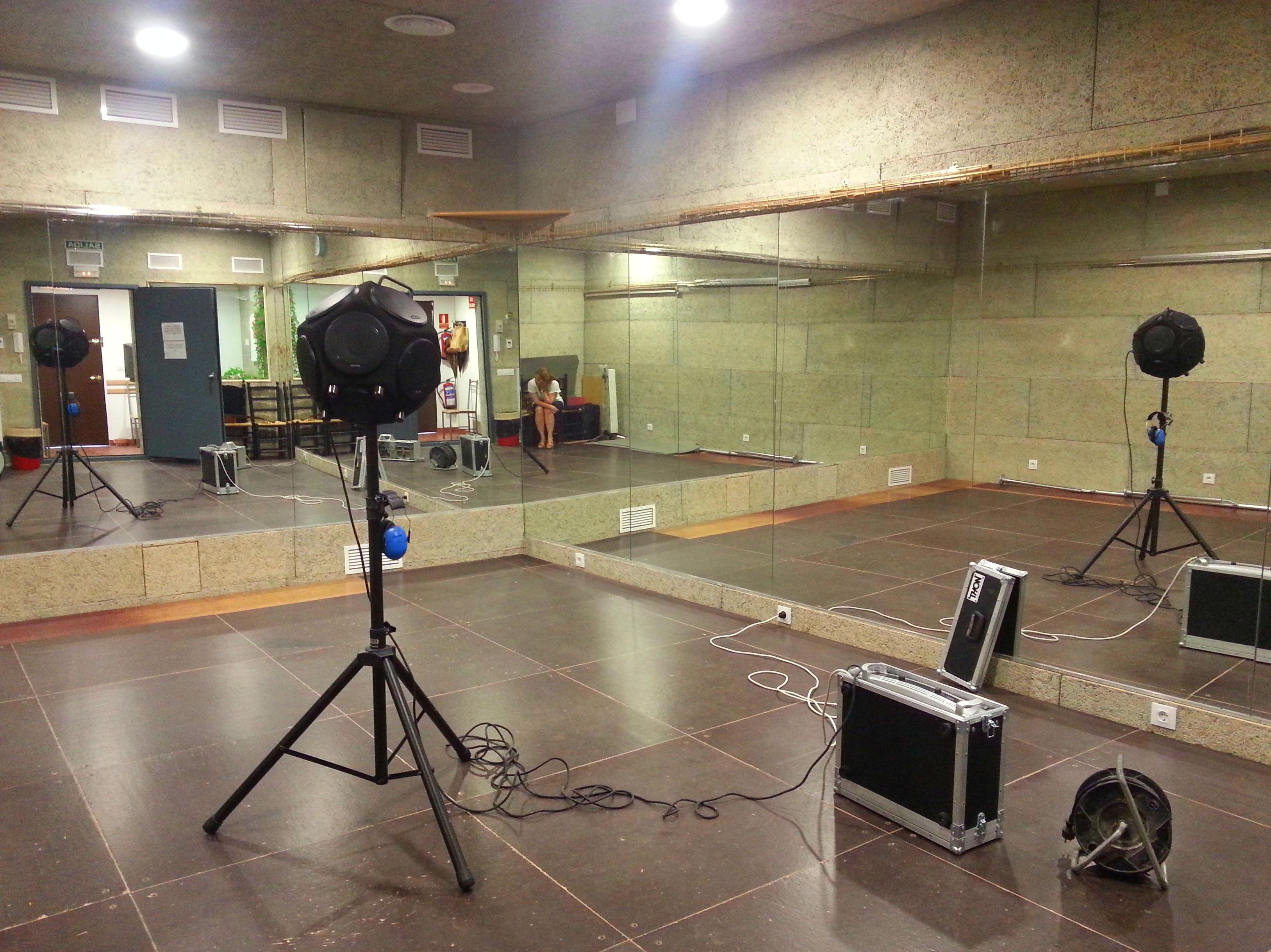 Ensayo de aislamiento a ruido aéreo en academia de flamenco Carmen Torres (Tomares)