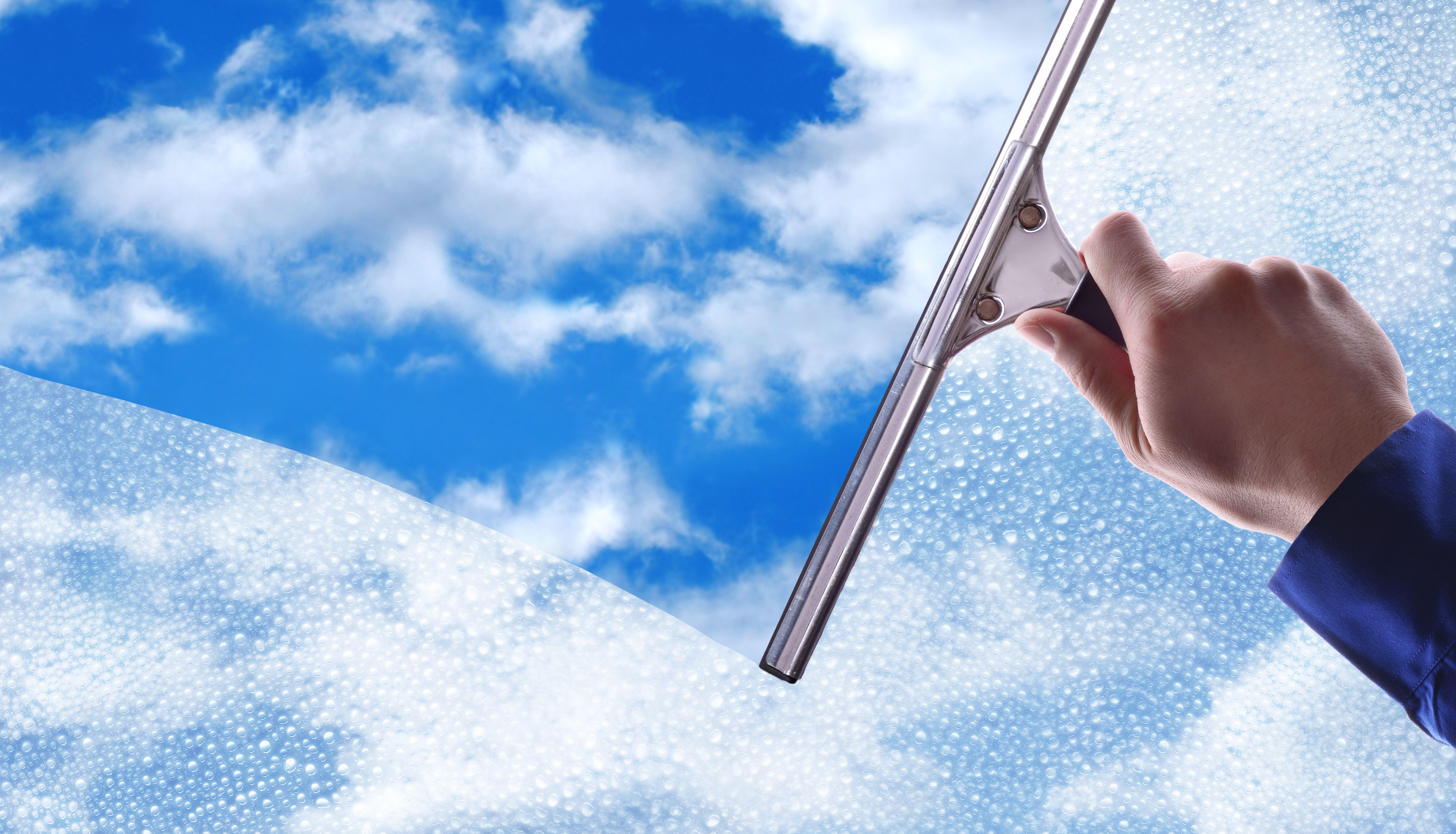 Limpieza de cristales: Servicios de Neteges més Net Cardedeu