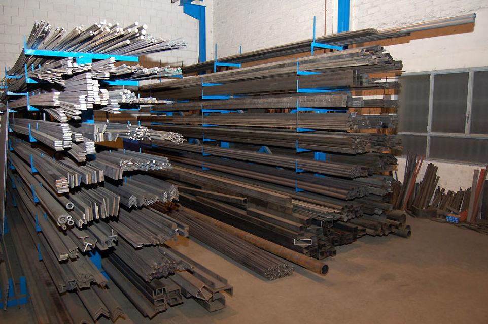 Disponemos de un importante stock de materiales