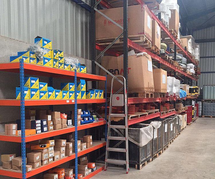 Almacén de nuestra empresa de suministros industriales en Castellón