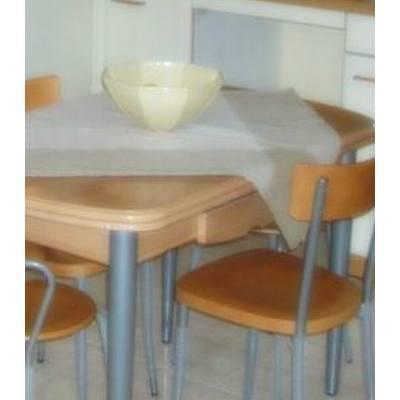 Sillas y mesas: Productos y Servicios de Diseño Cocinas